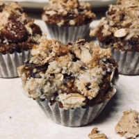 Pumpkin Muffins with Maple Pecan Crumble